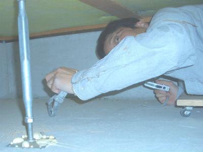 床下を這ってホームインスペクション